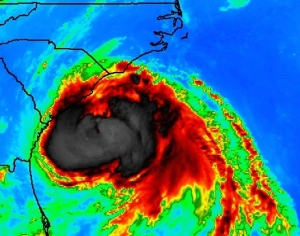 Photo credit: http://www.washingtonpost.com/blogs/capital-weather-gang/wp/2014/07/03/hurricane-arthur-heads-for-north-carolina-tonight-with-high-water-wind-and-rain/